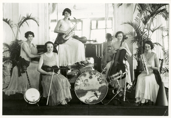 The Magpies Ladies Orchestra c. 1913 Performing Arts Collection, Arts Centre Melbourne