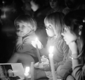 """""""Carols by Candlelight"""", c.1973. [IRN 108619] Laurie Richards Collection. Performing Arts Collection, Arts Centre Melbourne."""